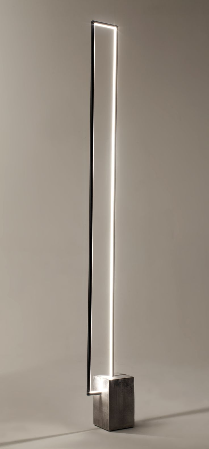 The Mire : a floor lamp with a clear LED light strip inside a rectangular metal frame. LED floor lamp MIRÉ LT - CINIER Radiateurs Contemporains (PSCBath)