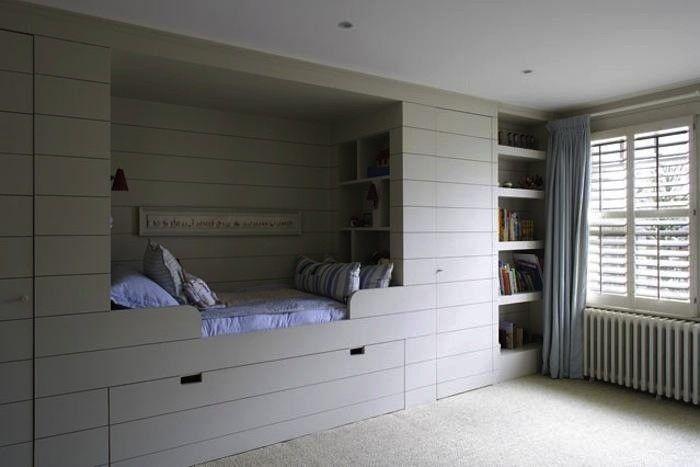 Einbau-Bett in einer NIsche