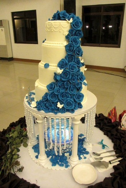 wedding cake with blue roses 25 best ideas about wedding cakes on 26830