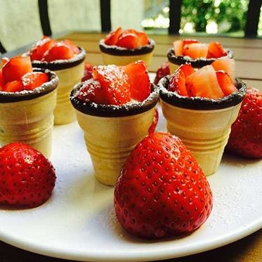 Mini-Obst-Törtchen mit frischen Früchten