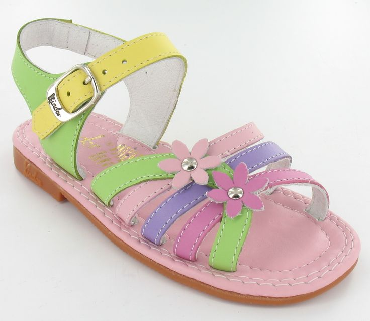 NEW Sandal for the summer! www.calzadokinder.com