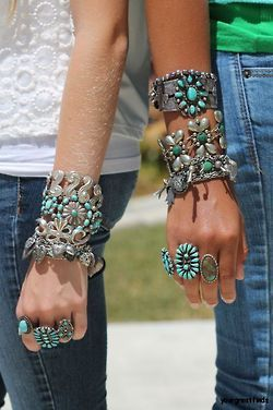 Native American turquoise jewelry. LOVE.