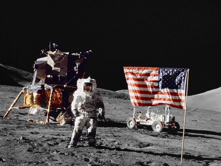 Las 10 teorías conspirativas más famosas e inquietantes La muerte de Elvis, el virus del sida y hasta el alunizaje son sucesos puestos en duda por decenas de teorías con causas y consecuencias alternativas. Cuáles se confirmaron | ¿El hombre llegó realmente a la luna?