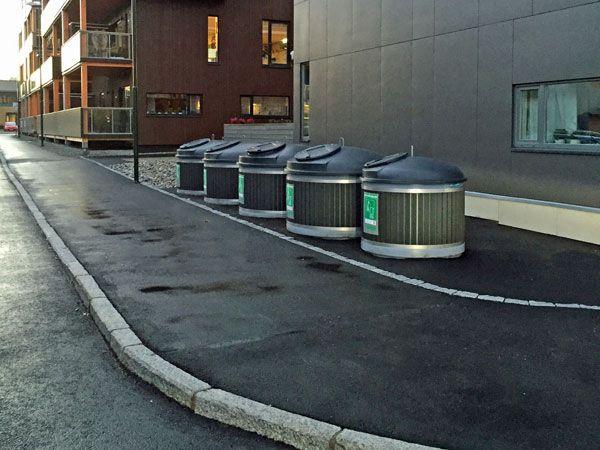 Avfallsbrønner er en moderne og estetisk form for dypoppsamling av avfall. Molok avfallsbrønn gir mellom 800 og 5000 liter kapasitet avfall under bakken