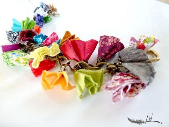 Bracelet froufrou en tissus multicolores Lydia Nowik