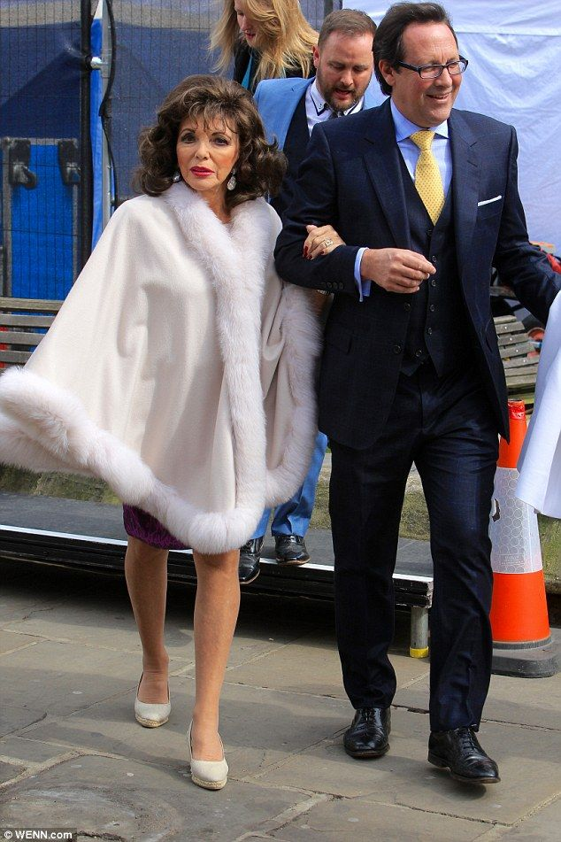 2016.04.21  An ensemble fit for the queen! Joan Collins, 82, reigned supreme on Thursday as she attend...
