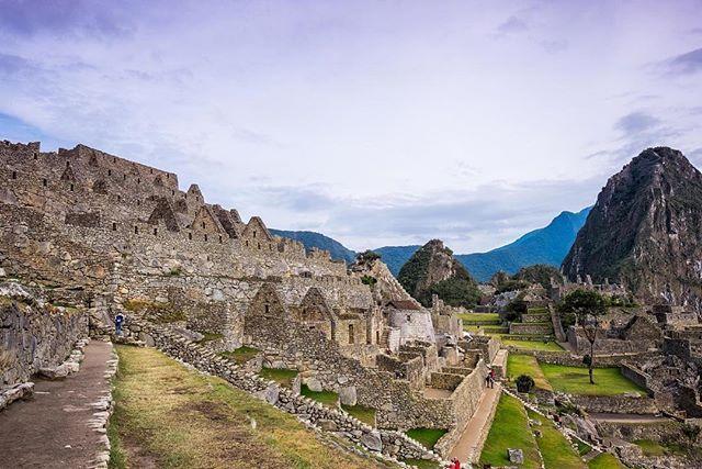 Early morning in Machu Picchu ... Before the crowds. Best experience ever. #vistatravels #traveltheworld, #exploreperu #machupicchu