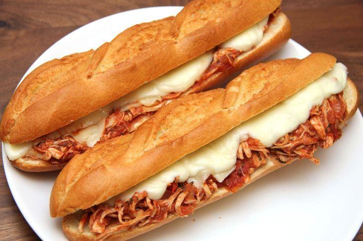 Lassan sült paradicsomos csirke szendvics recept