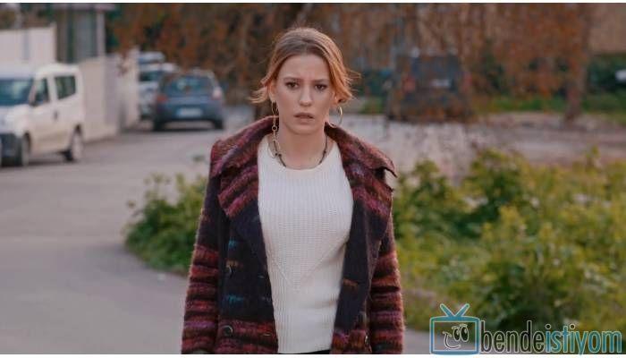 Star TV yayınlanan Medcezir dizisinde  Mira Beylice  karakterini canlandıran Serenay Sarikaya'nın, 66. bölümünde giydiği tüylü manto