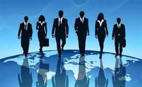 048 - ¿CÓMO  PUEDE MOTIVAR UN GERENTE A SUS EMPLEADOS?  Una buena parte del tiempo de los ejecutivos debe estar destinada a la tarea de motivar a sus trabajadores, a través de:  Liderazgo. La práctica del liderazgo debe ser tal, que las personas estén motivadas para la mejor actuación posible.