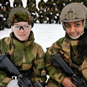 military_woman_norway_army_0000196