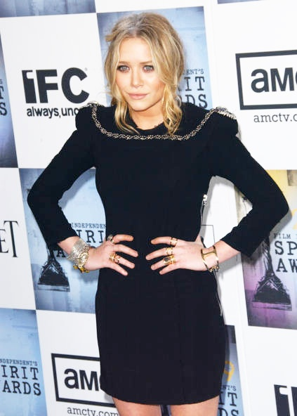 J'adore anything with fun shoulders.. mary kate olsen