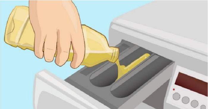 Att tvätta kläder kan vara svårt ochmycket kan gå fel, och jakten på det rätta tvättmedlet kan vara som att söka efter en nål i en höstack. Men med denna ingrediens kan du spara både oro och pengar vid varje tvätt. Att hällalite ättika i tvättmaskinen – fördelarna är många! 1. Häll125ml ättika över dina …