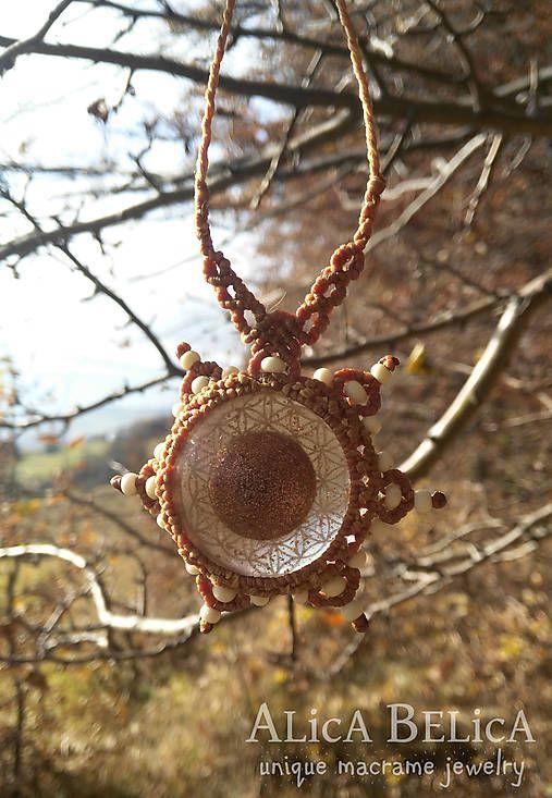 Centrálne slnko - makramé náhrdelník, orgonit, kvet života, medená oranžová, amulet