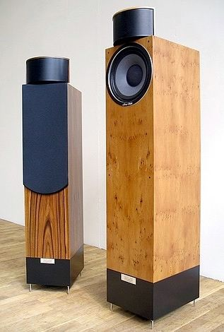 """Gran Viola - Signature, Audiophile High End Speakers...This Must Be Why These Aliens Keep Saying That They´ve Just Found Paradise !...  http://about.me/Samissomar"