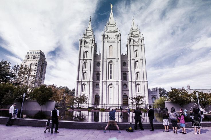 Single Mormon Men over 30, Divorcees Now Can Officiate Temple Ordinances | Meridian Magazine - LDSmag.com | Until now, single men could serve as temple ordinance workers through age 30. Women already were eligible to serve beyond age 31. The updated policy removed a waiting period following a divorce.