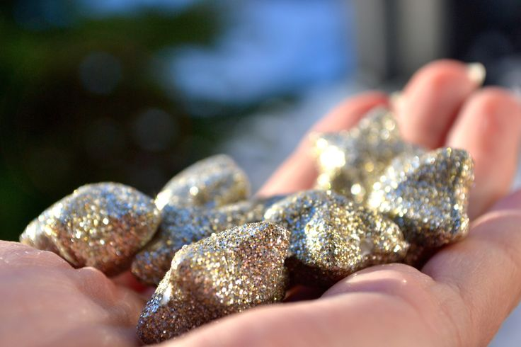 golden by Tine Nordbred on 500px  #glimmer #glitter #glowing #gold #golden #hand #handful #sparkling #star #stars