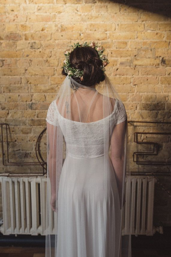 Hey, I found this really awesome Etsy listing at https://www.etsy.com/listing/250125202/boho-veil-draped-veil-wedding-veil-beach
