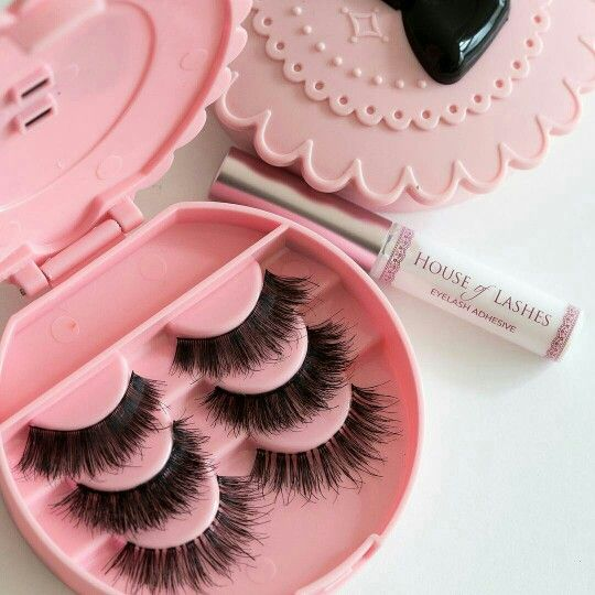 House of lashes ♡                                                                                                                                                                                 Más