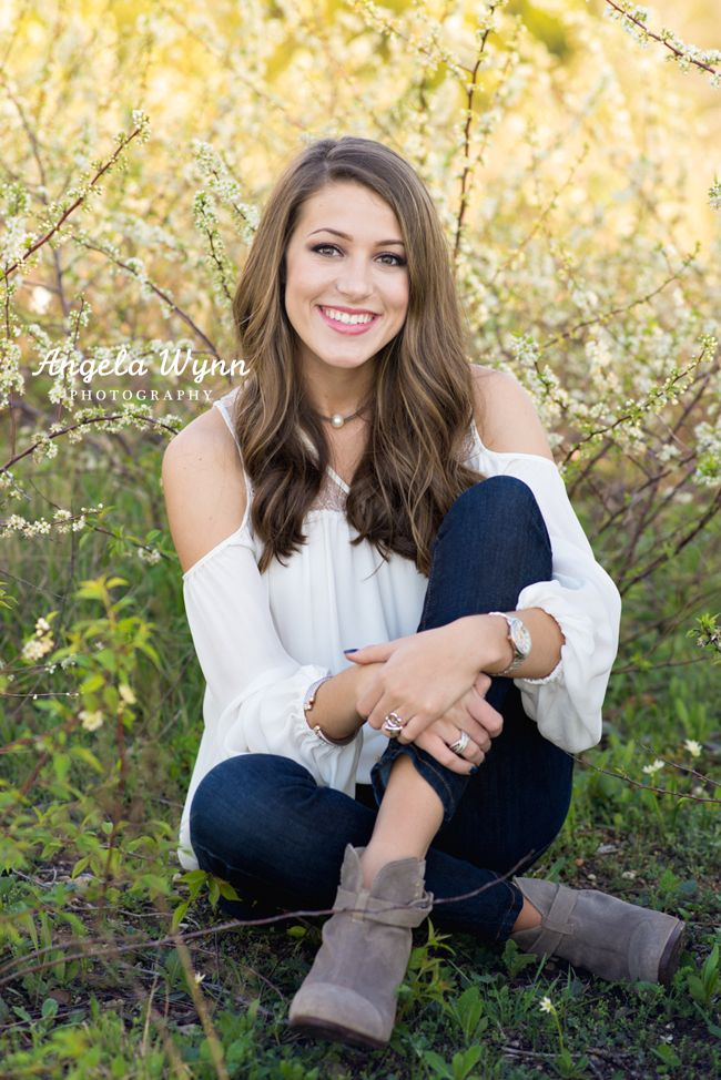 DFW Fort Worth Aledo senior photographer senior photography best Senior portrait ideas, beautiful, senior portrait photography, senior images, senior session, girl pose, senior poses, senior pictures, modern, head shot ideas, texas, creative, fun, different, nature ideas for senior pictures, artsy, natural make up, the perfect sorority picture