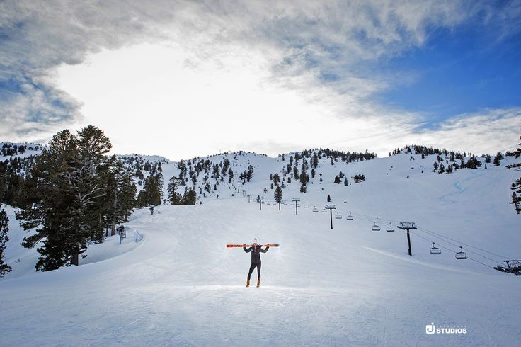 Show off your love of skiing or boarding by booking winter photos at your favorite mountain resort! Reno/Tahoe Senior photography