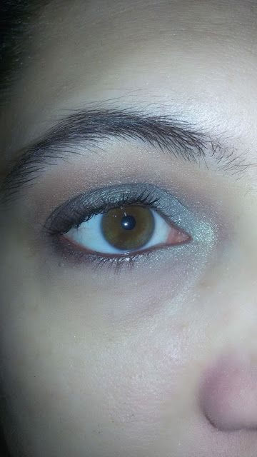 CHIKI88...  my passion for nails!: Thursday make up: duochrome green eyes!