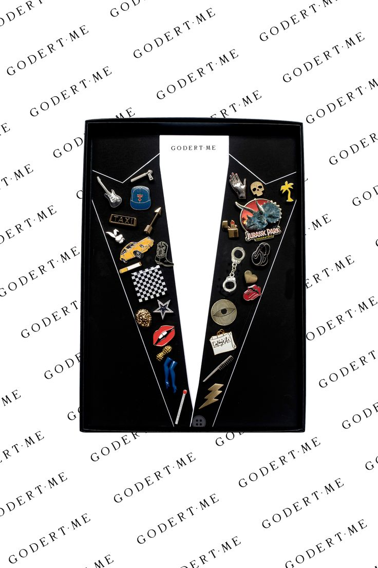 Gift box with 30 vintage and design pins personally selected for you:) www.godert.me xx