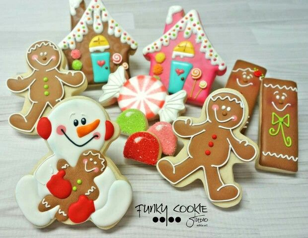 Gingerbread houses, kids, snowman, Funky cookie studio