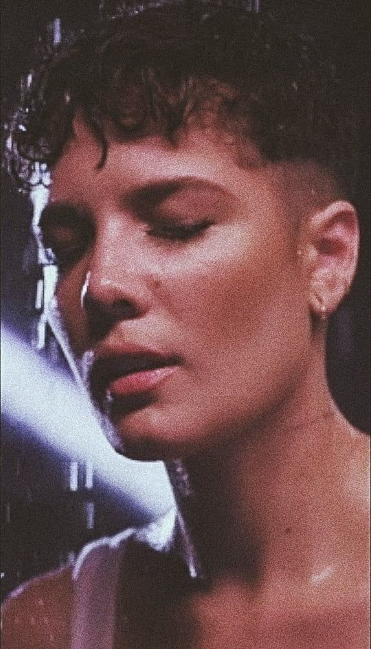 Image shared by Sara. Find images and videos about indie, halsey and without me …