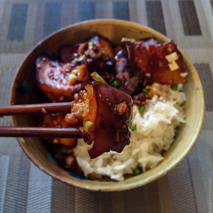 J'ai mangé il y a quelque temps de délicieuses aubergines dans un petit restaurant asiatique à Paris où la cuisinière est, je crois,…