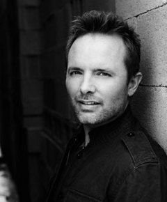 Chris Tomlin is one of my favorite Christian artists. So many good worship songs that draw me closer to Christ.