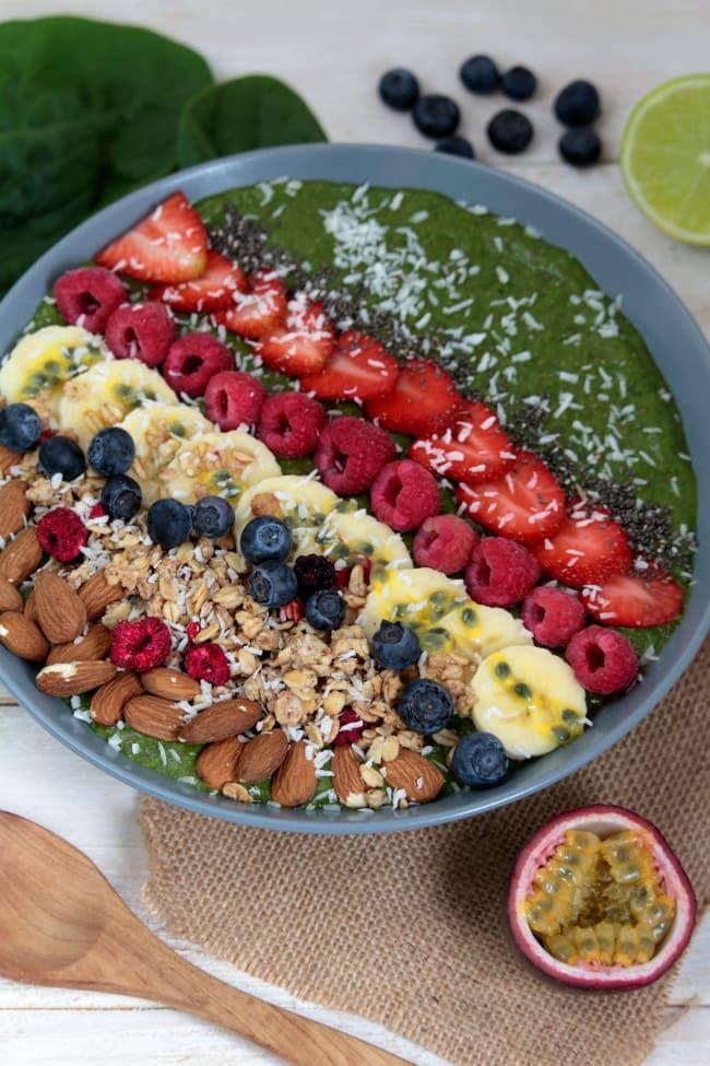 Green Smoothie Bowl | Grüne Smoothie Bowl | veganes Frühstück | vegane Rezepte I Entdeckt von Vegalife Rocks: www.vegaliferocks.de ✨ I Fleischlos glücklich, fit & Gesund✨ I Follow me for more vegan inspiration @vegaliferocks