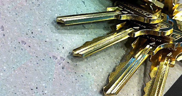 Ce qu'un homme a fait avec des vieilles clés et des pièces de monnaie est vraiment génial!