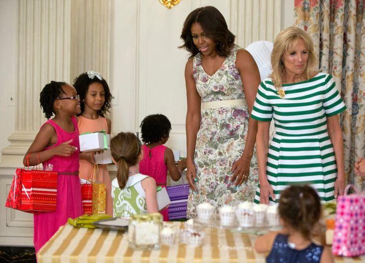 Michelle Obama hat mit ihm die Töchter Malia Ann und Natasha, genannt Sasha.
