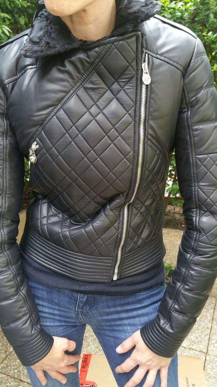 Blouson cuir noir col fourrure pour femme Versace : Coups de Coeur : Achetez des articles de luxe neufs certifiés
