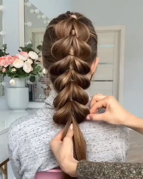 1 or 2??? ❤️❤️❤️ Follow us @hairtutorial4you  Credit @lova_studio  #hairstylevideo #hairstyleideas #dica #braidtrends #tranca #5strandbraid…