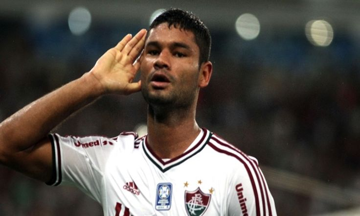 A pedido do técnico Cuca, o Palmeiras estuda contratação do zagueiro Gum, do Fluminense. O clube alviverde procurou a diretoria tricolor para consultar