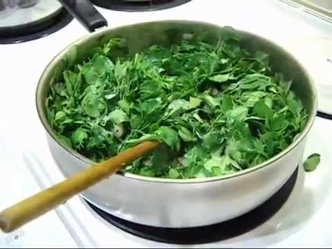 How to cook a Moringa (Tree Of Miracles) Leaf Stir Fry PLOTTPALMTREES.COM - YouTube