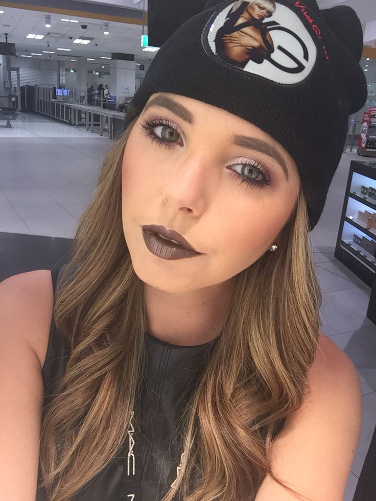 Viva glam RiRi makeup #maccosmetics