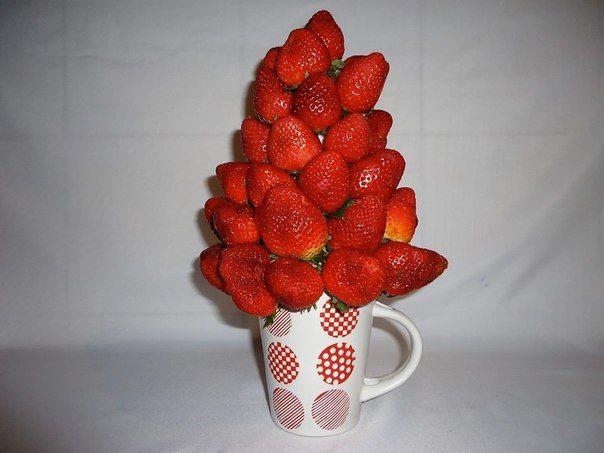 TORRE DE FRESAS. Deliciosas fresas al natural. $69.000