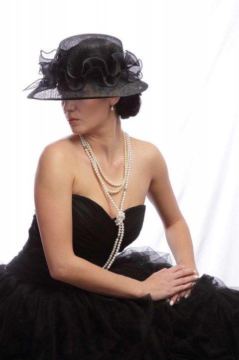 Čierny klobúk s lemom K23 - Svadobný salón Valery