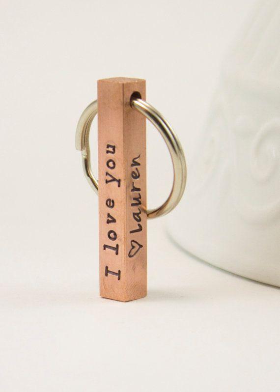 Bar porte clés porte-clé – cuivre à la main estampillé porte-clé – personnalisé pour hommes – quatre côtés avec des noms d'enfants – 7 ans anniversaire des hommes