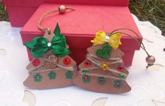2 wooden trees Christmas tree ornaments hanging by Rocreanique