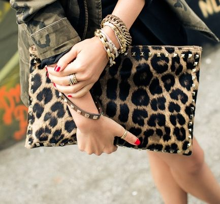 Yes, again with the oversized clutch. I can't get enough!
