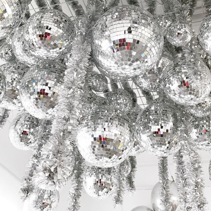 Oooh those @shopbando ladies are speaking my language! Disco ball chandeliers should really be a more common thing, shouldn't they?
