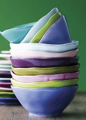 ... and the bowls were stacked merrily in shades of aqua, violet, and celedonKitchens, Rice Bowls, Pale Pink, Dishes, Colors Palettes, Design Kitchen, Pottery Bowls, Ceramics Bowls, Beautiful Bowls