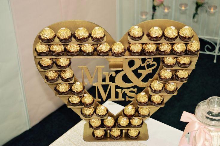 Candy Bar Gold_Candy Bar Aufsteller_Candy Bar Dekoration_ Rocher Herz_ Mr & Mrs #Mr & Mrs Die Hochzeitsplaner #Hochzeitsplaner Hannover