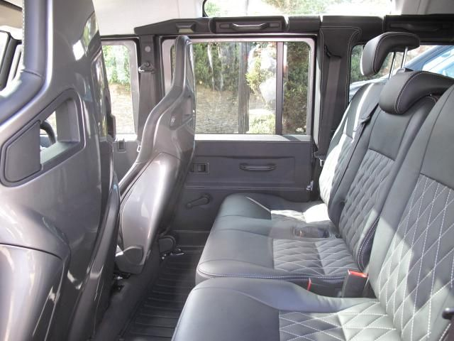 Land Rover Defender Interior Trim >> Defender 110 Interior Comfort Redefined Land Rover Pinterest