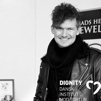 Som ambassadør for Dignity har jeg de seneste år haft den ære at skabe dignity prisen som hvert år uddeles til en person eller organisation der har gjort en særlig forskel i den fælles kamp mod tortur Det sidste halvandet år har jeg samarbejde med DIGNITY arbejdet på smykkekollektionen Hjerteblod til fordel for DIGNITY  #Hjerteblod #MadsHeindorf @dignityinstitute