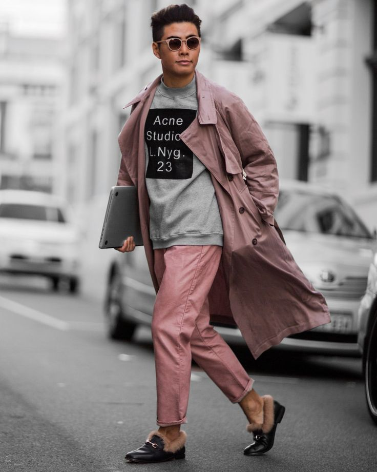 Men's Blush Nudie Nude Dusty Pink Outfit Street Style. Paris Fashion week, Milan Fashion Week, London Fashion Week, New York Fashion Week 2016-2017, LFW, MFW, PFW, Menstyle, Men during FW, street style Photography.